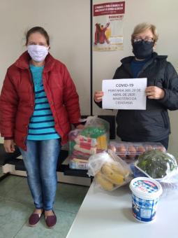 Secretaria de Assistência Social entrega cestas de alimentos para usuários da APAE e Lar dos Idosos